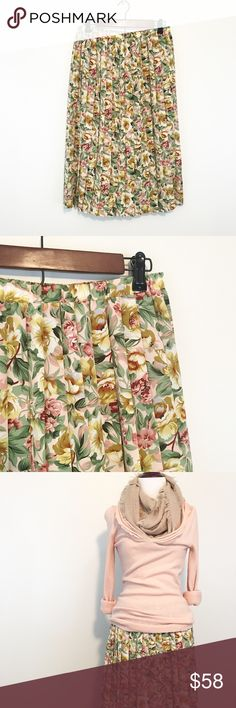 Vintage Floral Pleat Skirt OMG! 😍 This is all kinds of precious! Vintage, USA made pleated skirt! Perfect for the mod-vintage lover! Maybe even add a pettiskirt for extra flair? Marked a vintage 10, pretty TTS IMO. Maybe a 12, too, because of elastic waist. Skirts Midi