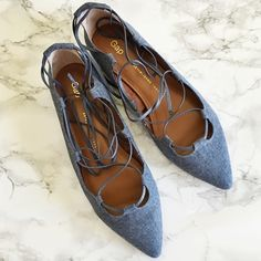 GAP Chambray Denim Lace Up Ballet Flats Like new GAP chambray lace up ballet flats. Size 9 US - true to size! I'm an 8.5/9 and its a little big on me. So cute and trendy lace up flats!❤️❤️ GAP Shoes Flats & Loafers