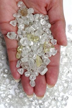 rough diamonds as they are found nature