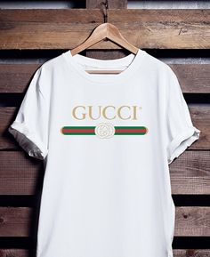 Gucci Shirt T-Shirt Limited Time Only Gucci T Shirt Women, Gucci Shirts Men, Gucci Tee, Balenciaga Shirt, Chanel Shirt, Shirt Men, Gucci Outfits, Cool Outfits, Camisa Gucci