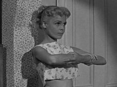 Fancie Lawrence tries to grow taller every day because they call her 'small fry' that leads to her nick name 'Gidget' shortened to 'The Gidg.' Gidget (1959)