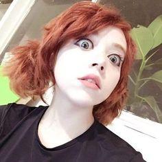 Brigitte grey - Ve al link para mas Redhead Quotes, Afro, Girl Short Hair, Hair Girls, Redhead Girl, Cute Faces, Hair Inspo, Pretty Woman, Pretty People