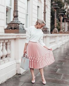 What's more feminine than a pink pleated skirt? --------Jumper by Ted Baker Fashion Mumblr, Pink Fashion, Modest Fashion, Fashion Outfits, Petite Fashion, Ted Baker Fashion, Ladies Fashion, Womens Fashion, Fashion Ideas
