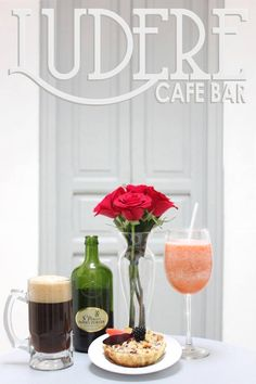 Tea party. Plum, Apple, Cake.   Frappe. Smoothies. Beer.  Peter's.  Old House, French furniture,Vintange, Romance. Love. Flower. Roses. White. Red.   LUDERE cafe bar, Guadalajara, Chapultepec, Mexico.