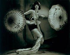 Ruth St. Denis - Nickolas Muray // umbrella