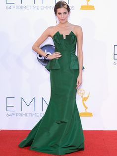 Look out #LenaDunham! Her Girls co-star is looking fine in a structured emerald strapless gown. #AllisonWilliams #Emmys2012 #BestDressed2012