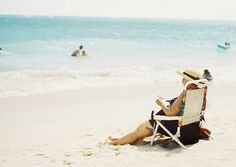 Hawaii. omomuroni ichihashi orie Estate, Beautiful Beaches, Distance, Wonderland, Hawaii, Aesthetics, Couple, Spaces, Photos