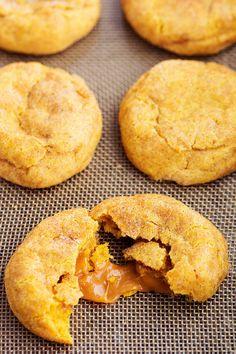 Caramel Pumpkin Snickerdoodles (The Recipe Critic) Pumpkin Recipes, Fall Recipes, Cookie Recipes, Potato Recipes, Baking Recipes, Sweet Desserts, Delicious Desserts, Pumpkin Cheesecake Snickerdoodles, Soft Pumpkin Cookies