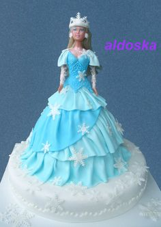 nice winter barbie cake