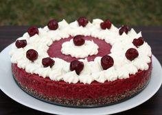 Recept na RAW tortu tak trochu v štýle schwarzwaldskej višňovej torty.
