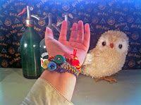 Poppy makes… Harry Potter inspired kumihimo house bracelet. In this video tutorial I will explain how you can make this Harry Potter inspired kumihimo house bracelet. Have fun! Poppy maakt… Harry Potter geïnspireerde kumihimo afdelings- armband. In deze instructie video zal ik je uitleggen hoe je deze Harry Potter geïnspireerde een Harry Potter geïnspireerde kumihimo afdelings- armband maakt. Veel plezier! #Harry #Potter #AndTheCursedChild #video #tutorial #instructie #video #printable