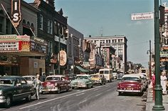 Ste-Catherine et St-Dominique Quebec Montreal, Old Montreal, Montreal Ville, Quebec City, Montreal Canadiens, Old Pictures, Old Photos, Vintage Pictures, St Dominique