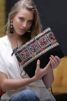 Handmade Fabric Bags, Leather Bags Handmade, Diy Bags Purses, Purses And Handbags, Pochette Diy, Diy Summer Clothes, Diy Tote Bag, Embroidery Bags, Fabric Handbags