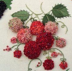 Вышитые ягодки - разных …