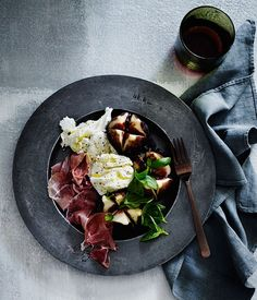Figs with mozzarella, prosciutto and vincotto recipe :: Gourmet Traveller