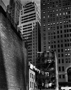 View Construction Old and New from the series Changing New York by Berenice Abbott on artnet. Browse more artworks Berenice Abbott from Bookstein Projects. Photography Exhibition, Street Photography, White Photography, Ville New York, Berenice Abbott, Washington Street, Washington Dc, Barbican, Vintage New York