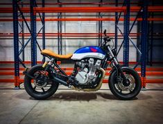 Cafe racer Honda CB 750 - 1992 by LeewayCustom Motorcycles, Paris