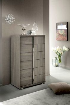 The ALF UNO Tivoli 6 Drawer Chest is a wonderful way to expand your storage space in your bedroom. This tall chest comes with six spacious drawers,. Contemporary Furniture, Contemporary Design, Modern Design, Italian Interior Design, 6 Drawer Chest, Bedroom Chest, Grey Oak, Wood Veneer, Shopping
