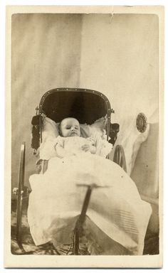 Post Mortem CDV - Baby in Carriage - Ethereal cdv Photograph - West Batavia, IL The Canterville Ghost, Post Mortem Pictures, Post Mortem Photography, Creepy Photos, Six Feet Under, Memento Mori, Present Day, Macabre, Victorian Era