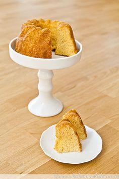 Der Kondensmilch-Kuchen ist nicht nur zitronig lecker, sondern auch extrem saftig und passt super zu einem schönen Nachmittagskaffee...