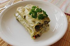 Vegetarische Gemüse - Pilz - Cannelloni, ein gutes Rezept aus der Kategorie Pasta & Nudel. Bewertungen: 25. Durchschnitt: Ø 4,3.