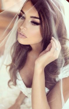 I'm loving this makeup. Classic sexy. #bridal #makeup