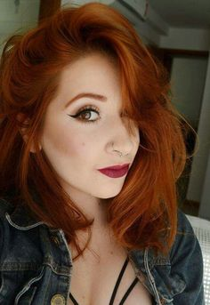 Character inspiration wob redhead hairstyles, dyed hair e natural red hair. Redhead Hairstyles, Pretty Hairstyles, Prom Hairstyles, Korean Hairstyles, Natural Red Hair, Natural Life, Vida Natural, Haircut And Color, Auburn Hair