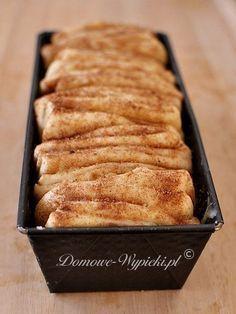 Cinnamon yeast dough to peel off- Cynamonowe ciasto drożdżowe do odrywania Cinnamon yeast dough to peel off - Baking Recipes, Cake Recipes, Dessert Recipes, Delicious Desserts, Yummy Food, Weird Food, Food Cakes, No Cook Meals, Love Food
