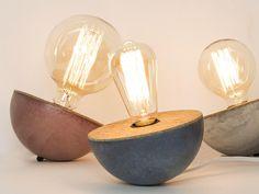 Culbuto lampe en béton et liège