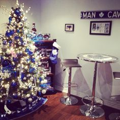 Toronto maples leafs tree in a man cave Toronto Maple Leafs Wallpaper, Toronto Maple Leafs Logo, Wallpaper Toronto, Christmas Diy, Christmas Decorations, Holiday Decor, Christmas Trees, Merry Christmas, Maple Leaf Tree