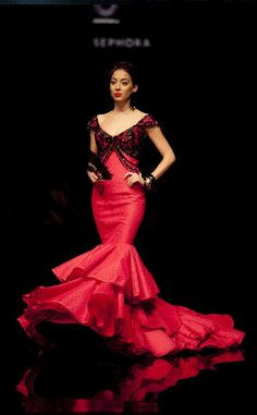 Spanish Dress Flamenco, Flamenco Dancers, Flamenco Dresses, Dot Dress, Dress Up, Garment Of Praise, Spain Fashion, Special Dresses, Mermaid Gown
