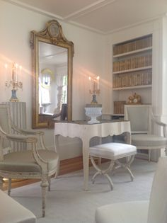 Gustavian Living Room, F. D. Hodge Interiors, 18th and 19th C Swedish Antiques. Frank Hodge Interiors