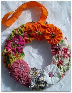 Yo-yo retro wreath