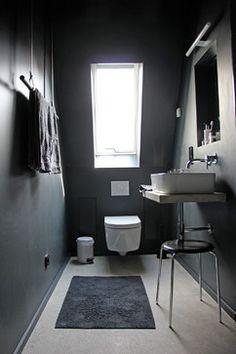 Lækkert lille toilet - lækker håndklædeholder