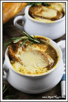 Vegan French Onion Soup // Start your feast off with the queen of soups: french onion. It is a heavenly and tasty first meal that will warm up the crowd and get them excited for the upcoming dishes. | The Green Loot ... #vegan #Christmas