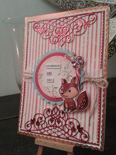 Babykarte mir gestempelten Streifen und gestanzten Ornamenten und Fuchs-Sticker