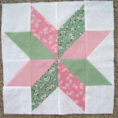 Piece N Quilt: Star Flower Quilt Block Tutorial Half square trianglesThis free quilt block pattern makes pretty quilt blocks, but it& as easy as piecing half-square triangles! The Star Flower Quilt Block looks gorgeous made with alternating petals of Beginner Quilt Patterns, Star Quilt Patterns, Patchwork Patterns, Patchwork Quilting, Quilt Tutorials, Pattern Blocks, Scrappy Quilts, Pinwheel Quilt Pattern, Free Tutorials