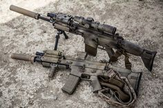 SCAR 17S and SCAR 16S with Cammo paint