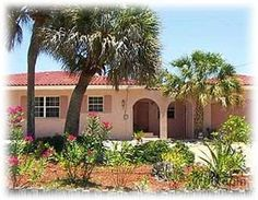 Great location in Siesta Key Village and walking distance to beach.