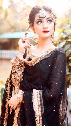 Bridal Mehndi Dresses, Pakistani Bridal Makeup, Pakistani Fashion Party Wear, Pakistani Wedding Outfits, Pakistani Dresses Casual, Indian Fashion Dresses, Dress Indian Style, Wedding Dresses For Girls, Pakistani Dress Design