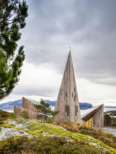 Diedrica: IGLESIA DE KNARVIK.  This is probably one of the most stunning exteriors I've ever seen, quite haunting! #exteriordesign #architecture #construction
