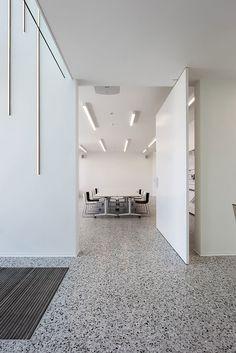 70 Smooth Concrete Floor Ideas for Interior Home – Flooring Terrazo Flooring, Granite Flooring, Concrete Floors, Smooth Concrete, Polished Concrete, Office Floor, Hotel Restaurant, Interior Architecture, Interior Design