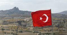 Weil immer wieder Mörserangriffe von Syrien auf türkisches, bewohntes Territorium stattfanden, marschierte jetzt die türkische Armee mit Luftunterstützung der USA in Nordsyrien ein, um die Gegend vom IS zu säubern, so berichtest es zumindest die staatliche türkische Nachrichtenagentur Anadolu.