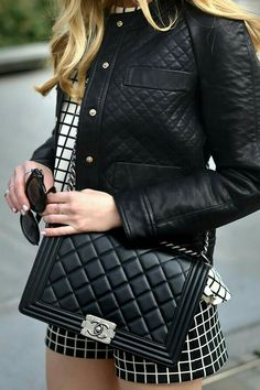 a1e6f572fa1d Bolsas Channel, Chanel Le Boy, Quilted Jacket, Luxury Handbags, Chanel  Handbags,