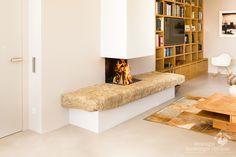 Offener Kamin Mit Natursteinbank #offnenerKamin #Kamin #Ofen #Kaminofen  #fireplace #RiederingerHafnerei