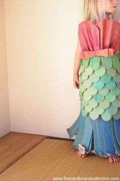 Check out this adorable cardboard mermaid costume #reuse #happyhalloween