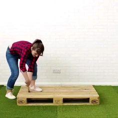 Diy Furniture Videos, Diy Furniture Projects, Diy Projects, Garden Projects, Garden Ideas, Backyard Ideas, Wooden Pallet Projects, Diy Pallet Furniture, Garden Furniture