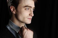Una vez más Daniel Radcliffe se une a una película con temática bastante rara, entérate en café y cabaret de cual te estamos hablando.