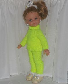 Купить или заказать комплект 'В спортивном стиле' в интернет-магазине на Ярмарке Мастеров. комплект для любимой куклы в спортивном стиле. Состоит из брючек и свитерочка. Свитерок сзади во всю спину застегивается на кнопочки. Это облегчает одевание на куклу. Возможно изготовление туфелек в тон костюма - цена 150р. Комплект подходит на кукол с гибридным телом (от Джолины). Возможно изготовление комплекта в другом цвете. Цена включает стоимость доставки по РФ.…