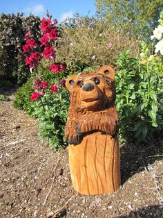 Wood Sculpture, Sculptures, Simple Wood Carving, Tree Carving, Scooby Doo, Chainsaw Carvings, Outdoor Decor, Bears, Crafts
